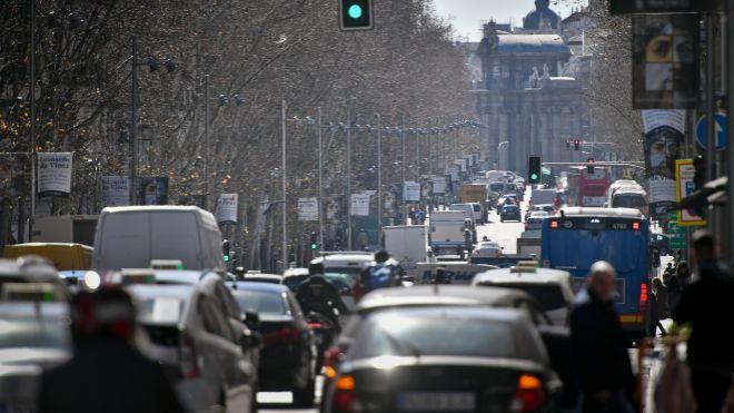 Las ventas de coches caen por primera vez desde 2012