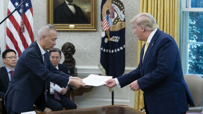 China envía a EEUU al viceprimer ministro a firmar el pacto comercial