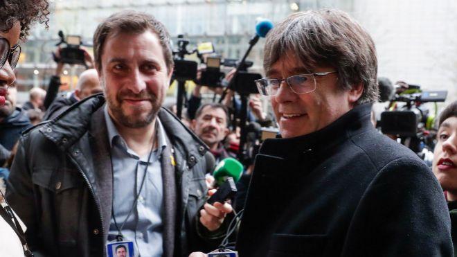 Resultado de imagen de Puigdemont y Comín se estrenan como eurodiputados