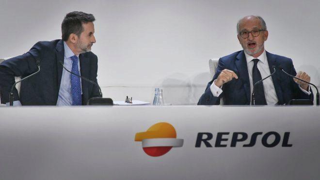 Junta general de accionistas de Repsol con su presidente Antonio...