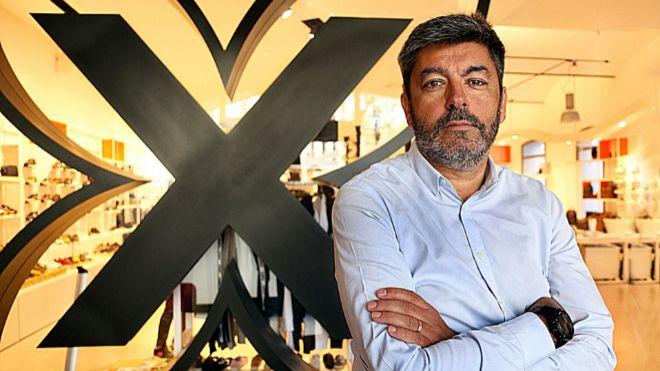 Xavier Berneda es el propietario de la firma de calzado Munich junto a...
