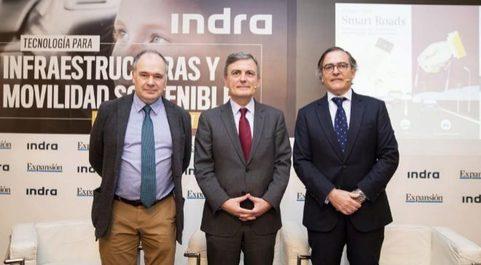 De izq. a dcha.: Iñaki Garay, director adjunto de EXPANSIÓN; Pedro...