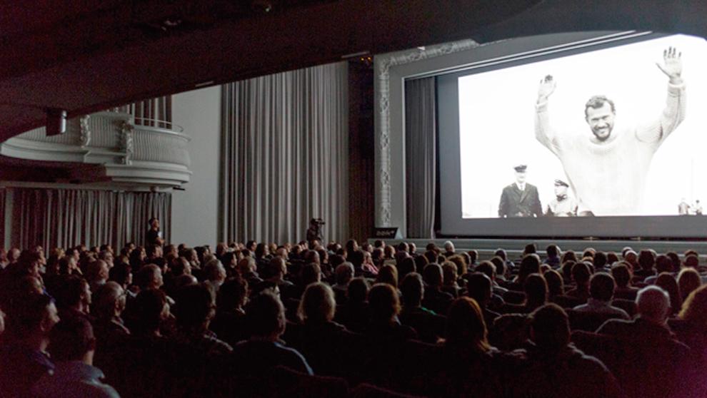 La proyección del documental sobre Sir Robin Knox-Johnston en la...