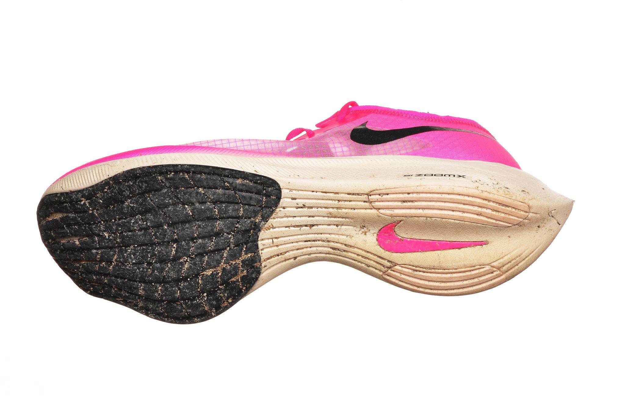 Nueva Zelanda Anguila Observar  Nike Zoomx Vaporfly Next%: Probamos las polémicas zapatillas voladoras de  Nike que usaron las liebres de Kipchoge | Moda y caprichos