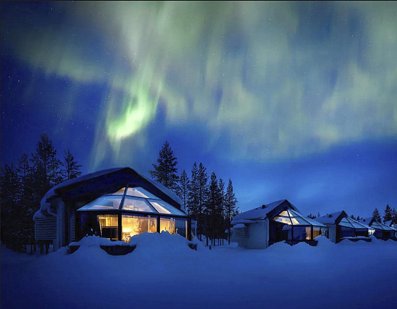 Los iglús del Santas Igloos Arctic Circle, en Rovaniemi, Finlandia,...
