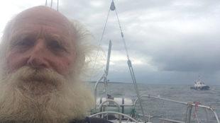 Bill Hatflied, en una de las fotos que envió durante su vuelta al...