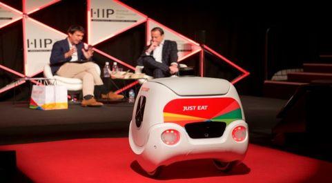 Yape entrega un pedido a Patrick Bergareche, CEO en España de Just...