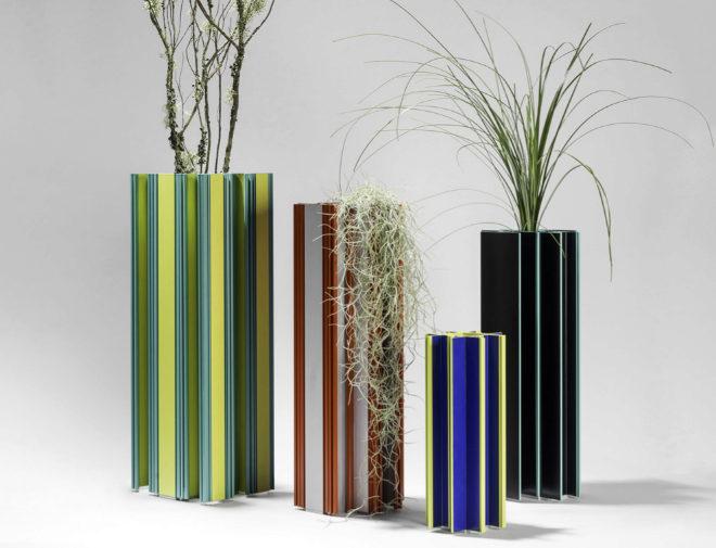 REmix Vol.3. Jorge Penadés supo ver la belleza en unos perfiles de aluminio. Deconstruidos, pintados y montados, se transformaron en jarrones.