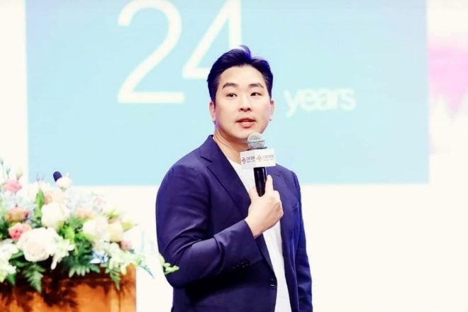 Seon-Il-Hwang, vicepresidente de Vivo para Europa.