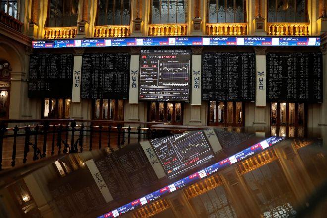 La Bolsa española se hunde y pierde los 8.000 puntos.