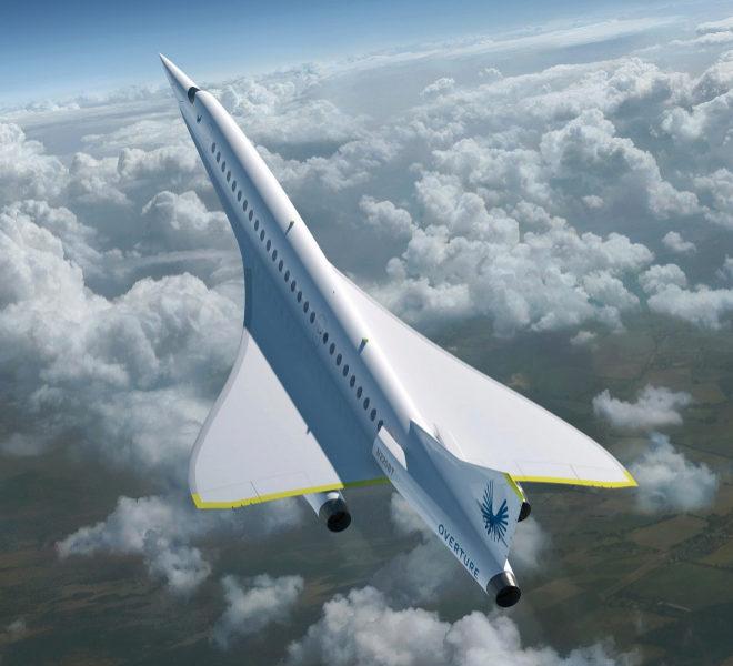 Overture, que así se llama el primer avión comercial supersónico de Boom Supersonic, volará a 20.000 pies de altura y a una velocidad de 2,2 match (2.335 km/h), y acarreará entre 55 y 75 pasajeros, con cuatro asistentes de vuelo y dos pilotos.