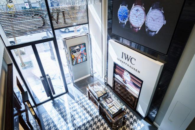 Entrada de la nueva tienda de IWC en Madrid.