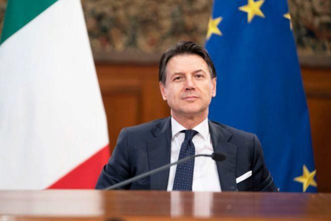 Italia anuncia el cierre de todos los comercios excepto supermercados y farmacias