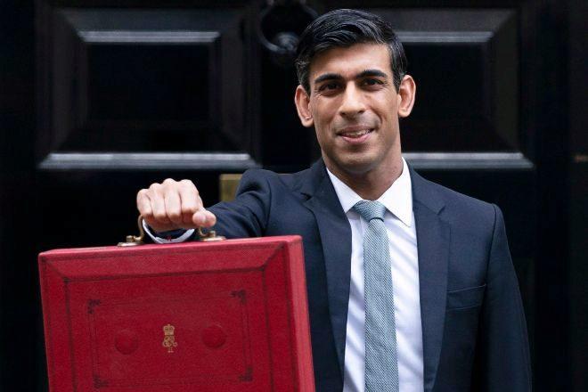 Rishi Sunak es el nuevo ministro de economía de Reino Unido.