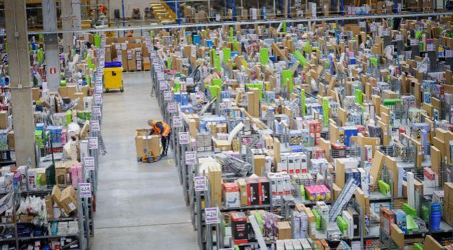 Centro logístico de Amazon en España.
