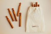 Con un diseño a la antigua usanza, estas pinzas de madera de acacia...