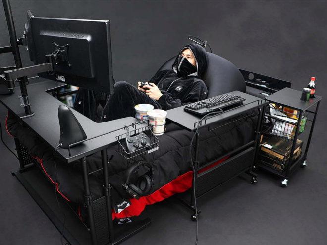 También cuenta con estantes con ruedas o la almohada-puff para encontrar la postura idónea.