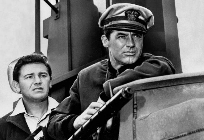 """La mando en el exterior del submarino en la película """"Destino Tokio"""", dirigida por Delmer Daves."""