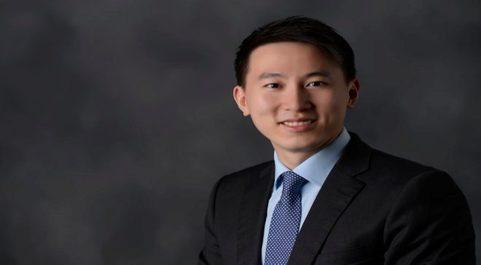 Shou Zi Chew es el director financiero de Xiaomi y el máximo...