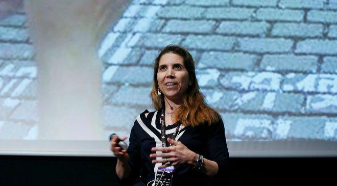 Nuria Oliver, doctora por el MIT Media Lab y comisionada de la...