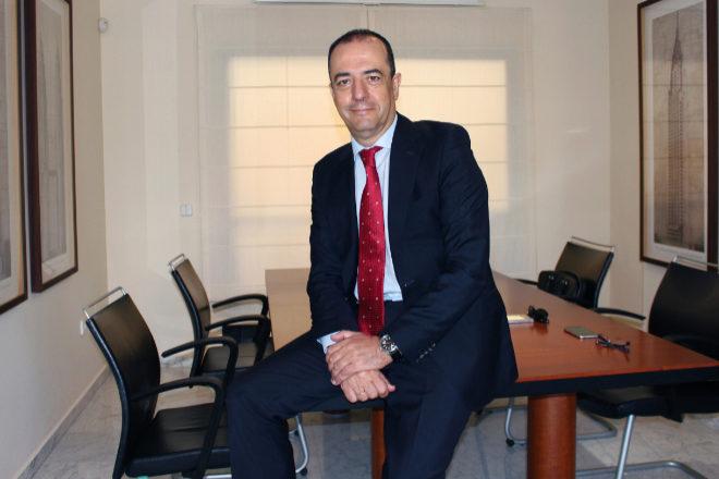 El socio director de Standby Consultores, Pedro García Molina, en la sede de la firma en Málaga.