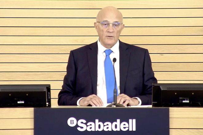 Josep Oliu, presidente de Banco Sabadell, en la última junta de...