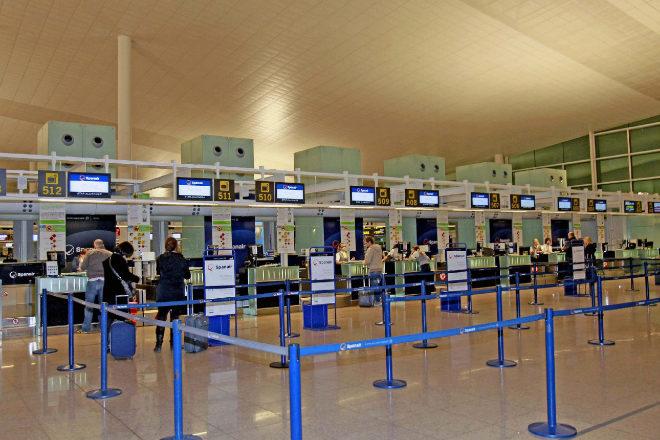 Negar el embarque a un pasajero por tener un documento de viaje inadecuado no elimina su protección jurídica
