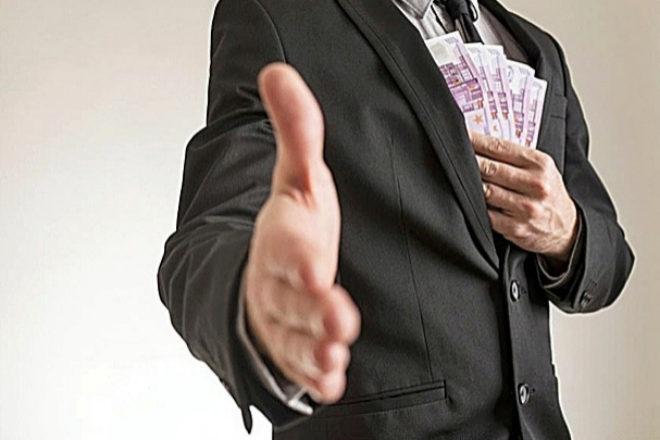 Más de 3 años de cárcel por pedir préstamos con documentos falsos