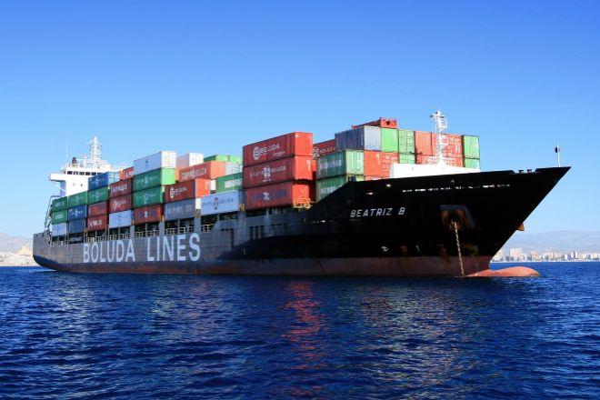 Un barco de la flora de Boluda Lines.