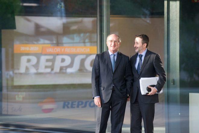 Josu Jon Imaz, Consejero Delegado de Repsol y Antonio Brufau,...