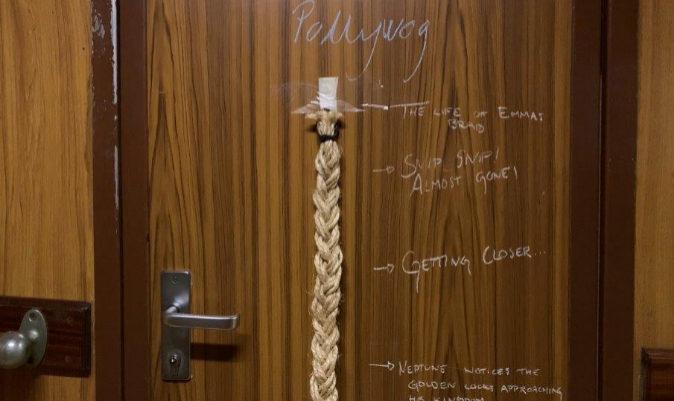 La puerta del camarote del Pollywog Emma, la corte de Neptuno se acerca. | M.I.
