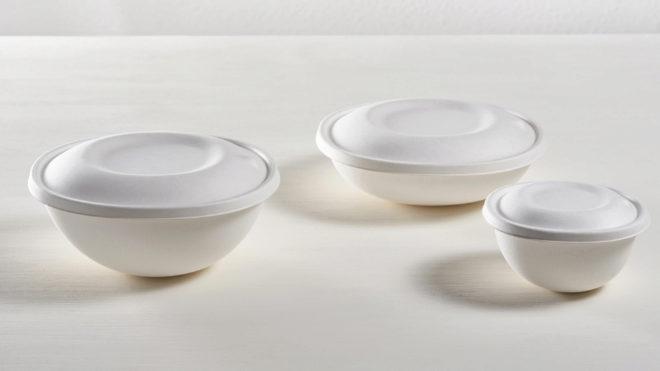 Los boles con tapa están disponibles en tres tamaños de 1.400, 1.000 y 500 ml de capacidad.