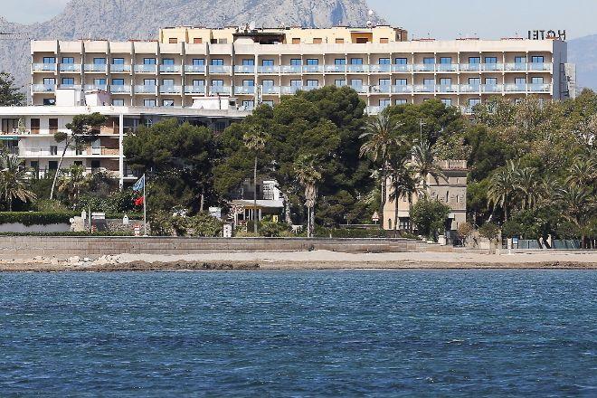 El retorno del turismo a las costas marcará la evolución de la economía valenciana.