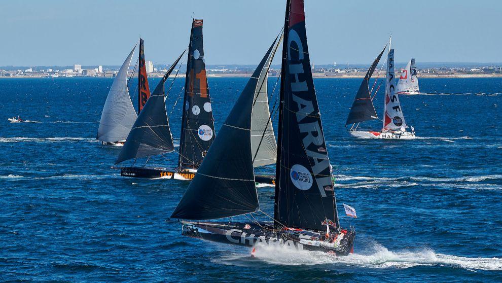 Barcos de la clase IMOCA, durante la salida de una prueba. | YVAN...