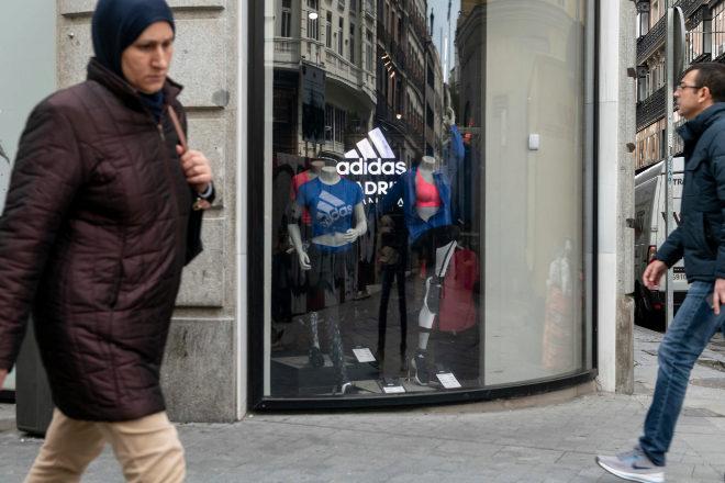 Un juez impide a Adidas ejecutar unos avales de 700.000 euros por la pandemia