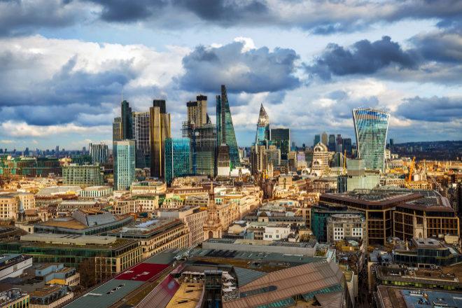 El coronavirus suaviza el rigor de la Competencia británica