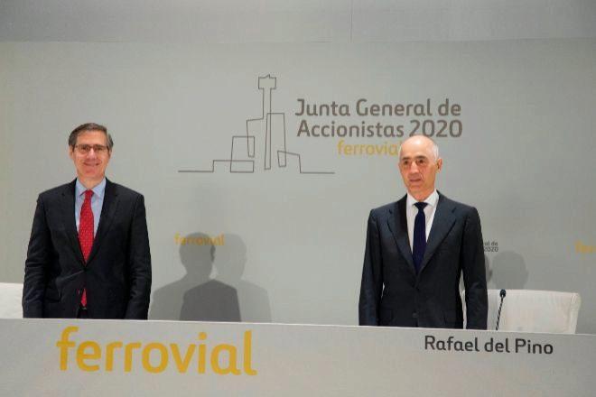 De izquierda a derecha Ignacio Madridejos, consejero delegado de...