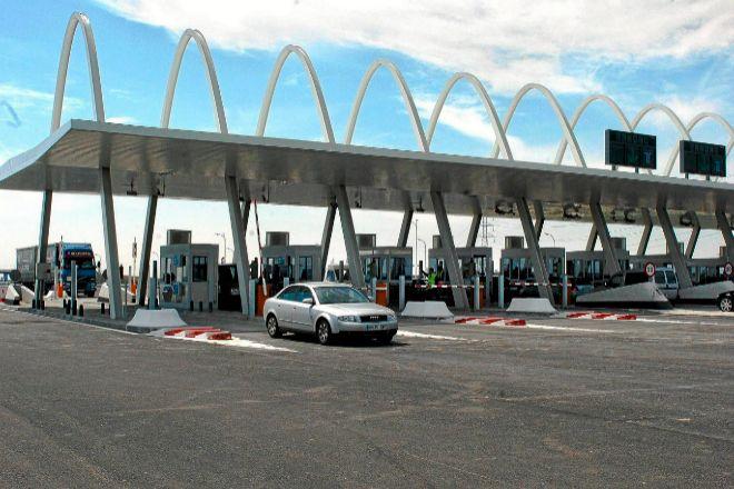 Endesa se hace con el suministro de electricidad 'verde' a las autopistas rescatadas por 4,3 millones