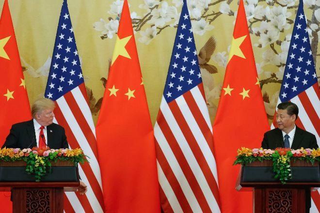 Foto de archivo del presidente de los EEUU, Donald Trump (i), y su homólogo chino, Xi Jingping (d).