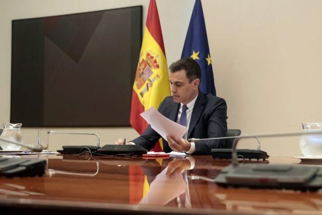 El presidente del Gobierno,Pedro Sánchez,  se reúne por videoconferencia con los presidentes autonómicos.