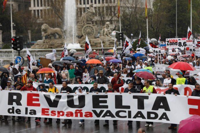 Imagen de la manifestación celebrada en Madrid en marzo del año pasado para denunciar la situación de abandono en que se encuentran las zonas más despobladas de España.