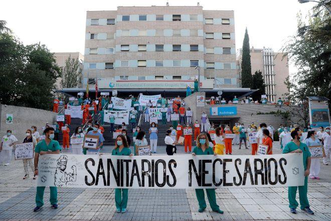 Concentración de personal sanitario en Madrid