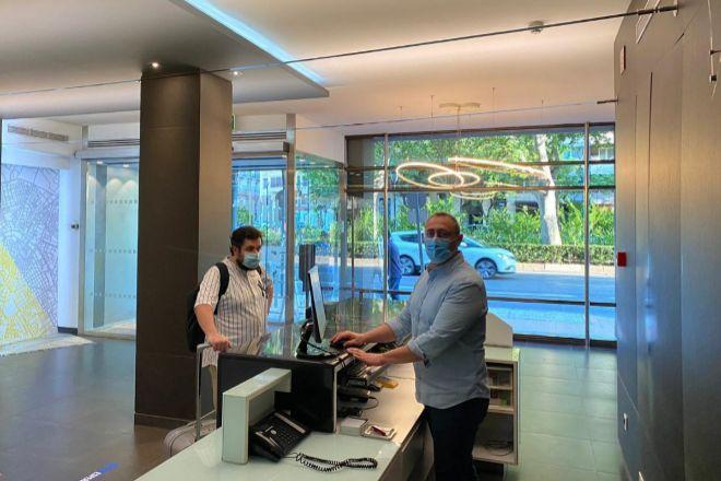 Recepción del Hotel Dimar, uno de los que ya ha abierto en la ciudad de Valencia.