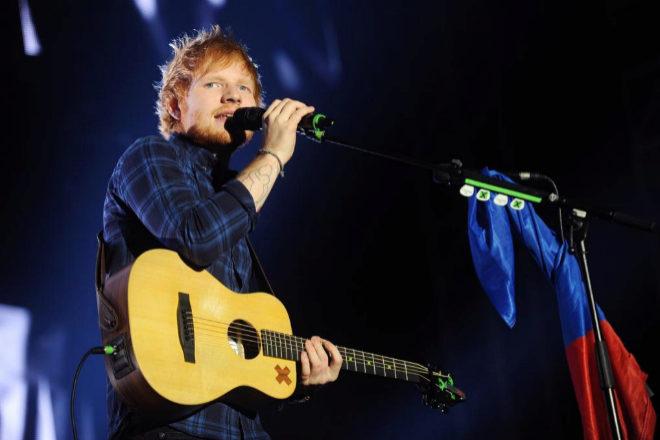El cantante Ed Sheeran forma parte del sello Warner Music.