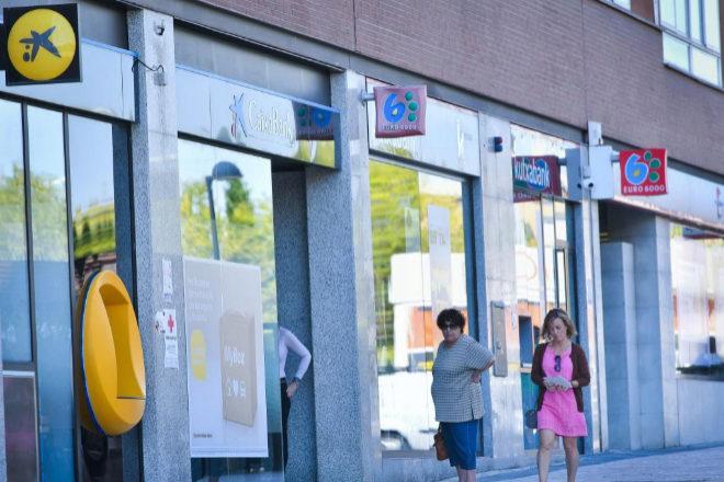 ¿Qué bancos van a cerrar 800 oficinas?