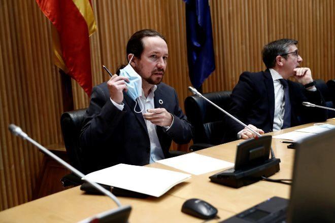 """Iglesias dice que las nacionalizaciones son """"perfectamente posibles"""" y defiende un impuesto para las grandes fortunas"""