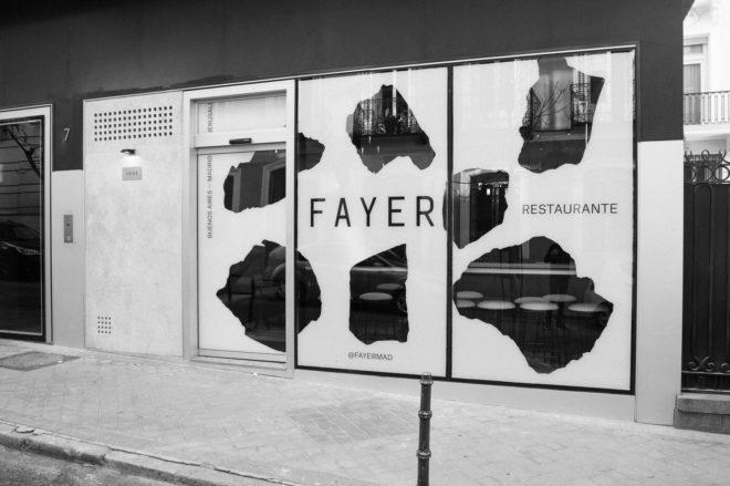 Fachada del nuevo restaurante Fayer, emplazado en la calle Orfila de Madrid.