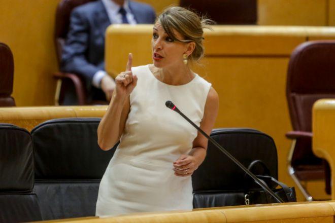 La ministra de Trabajo y Economía Social, Yolanda Díaz, durante su intervención ayer, desde la bancada del Gobierno, en el pleno del Senado.