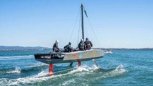 El AC9F, a remolque durante las primeras pruebas en el agua. | GEORGIA...