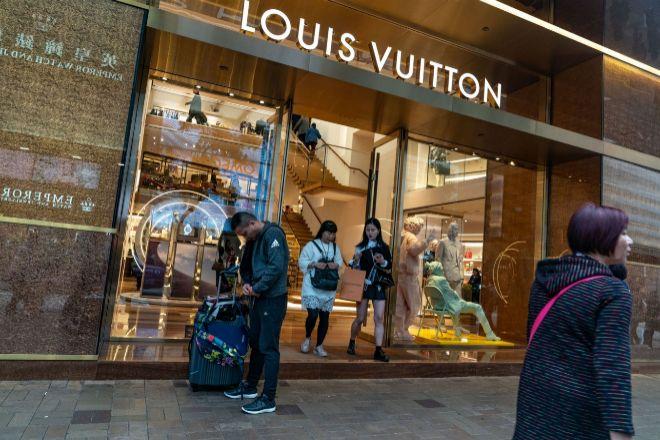 Tienda de Louis Vuitton en Hong Kong, China.